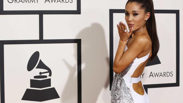 Ariana Grande lança música e gera suspeitas sobre bissexualidade