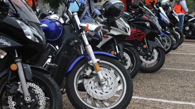 Retomada na produção de motocicleta e avião puxa alta da indústria