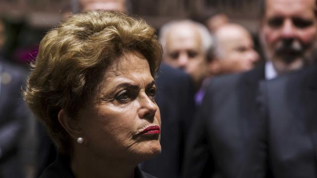 Dilma defende doação da UTC e diz que 'não respeita delator'