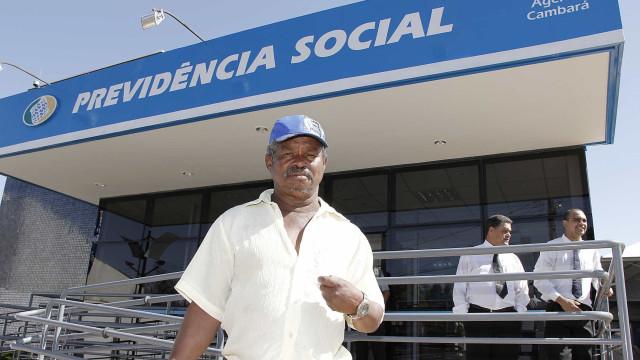 Trabalhador na fila do auxílio-doença do INSS receberá R$ 1.045