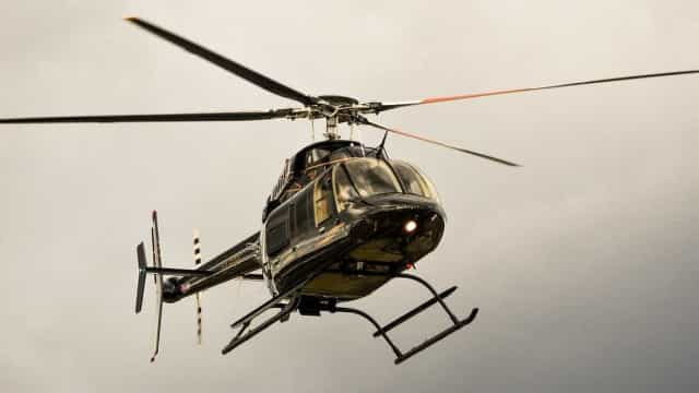 Helicóptero de turismo desaparece no Havai