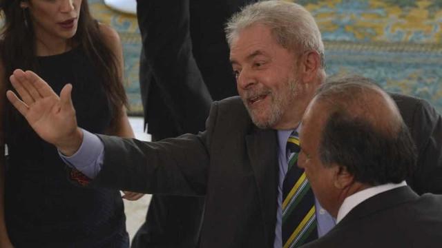 Autor de jingle de Lula pede 'perdão'