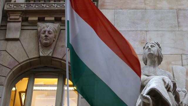 Governo da Hungria sanciona polêmica 'lei dos escravos'