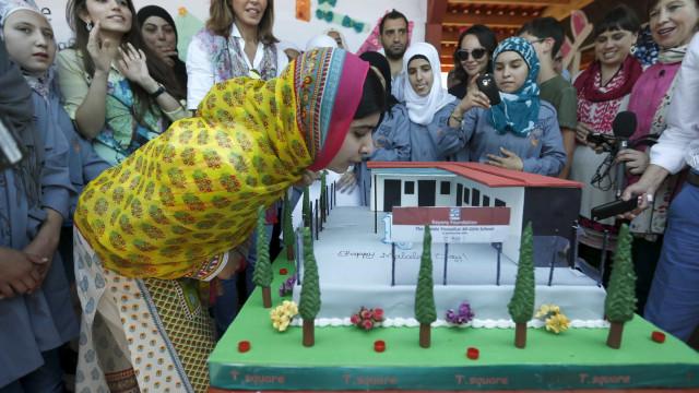 Malala completa 18 anos com inauguração de escola para refugiadas