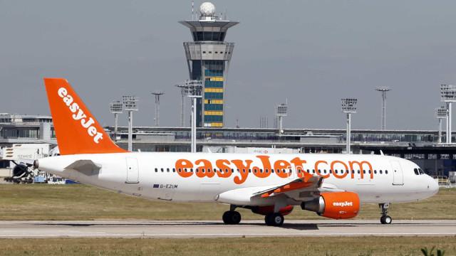 Passageira de 64 anos morre a bordo de avião durante viagem à Espanha