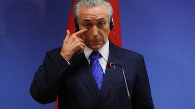 Temer diz a investidores que manteria Levy se fosse presidente da República