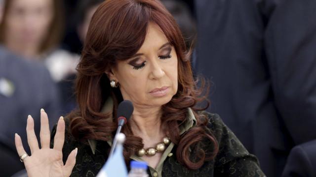 Caso de corrupção contra Cristina Kirchner irá a julgamento