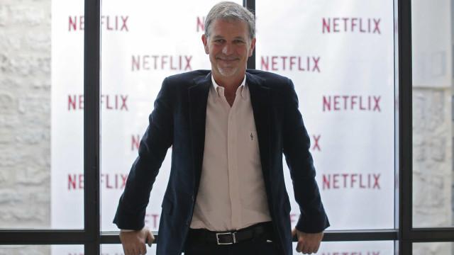 """CEO da Netflix reconhece """"concorrência feroz"""" da Disney e Apple"""
