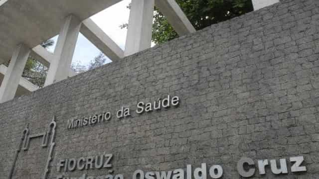 Fiocruz pretende importar mais 10 mi de doses de vacinas prontas contra covid-19