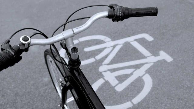 Dois ciclistas morrem e seis ficam feridos em atropelamento em SP
