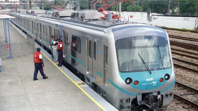 Mais de 30 casos de tiroteios afetaram circulação de trens no Rio