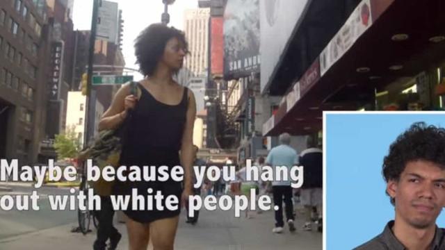 """Vídeo mostra homens vendo namoradas sendo """"cantadas"""" na rua"""