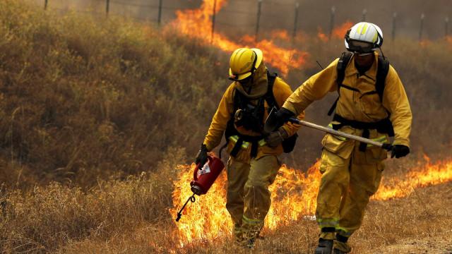 Ventos fortes agravam incêndios na Austrália