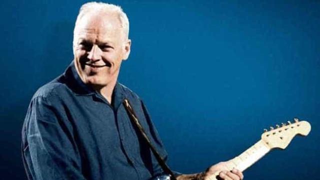 'Tudo tem de ir', diz David Gilmour sobre leilão de 120 guitarras