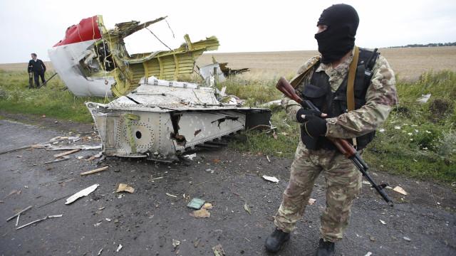 MH17: Fragmentos encontrados podem ser de míssil russo