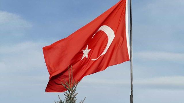 Avião militar sofre acidente na Turquia