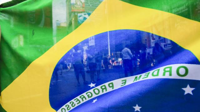 Protesto reúne 60 mil pessoas em Curitiba; em março foram 80 mil