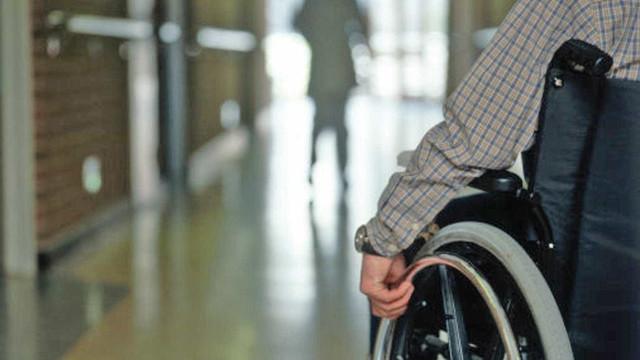 Governo desobriga cota para trabalhador com deficiência