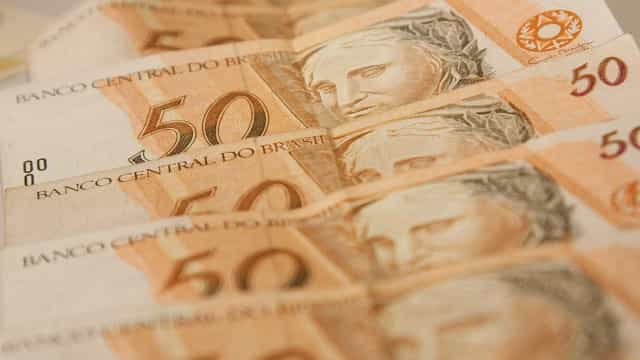 Um terço dos municípios não gera receita nem para pagar prefeitos