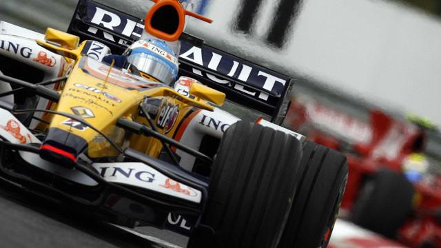 FIA desclassifica os dois carros da Renault no GP do Japão de F1