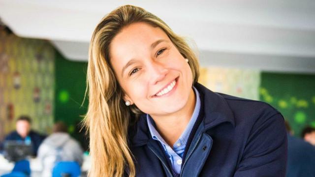 Fernanda Gentil responde com humor à pergunta: 'Essa que é a sapatão?'