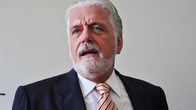 Senador pede suspensão de decreto que altera estrutura da Abin