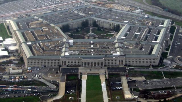 Pentágono autoriza bilhões de dólares para construção de muro