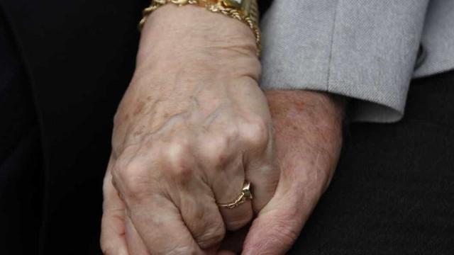 Casal morre na mesma UTI em SP após 50 anos juntos
