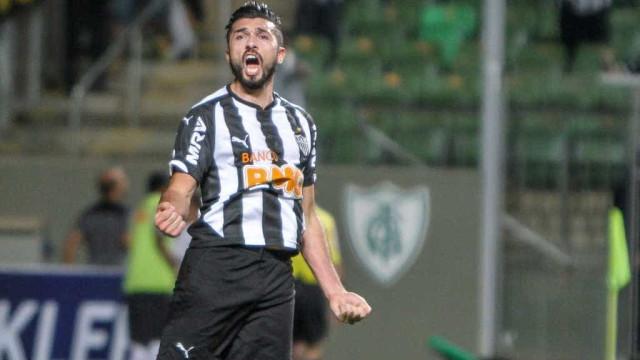 Aguirre saca Giovanni Augusto e escala Dátolo no time titular do Atlético