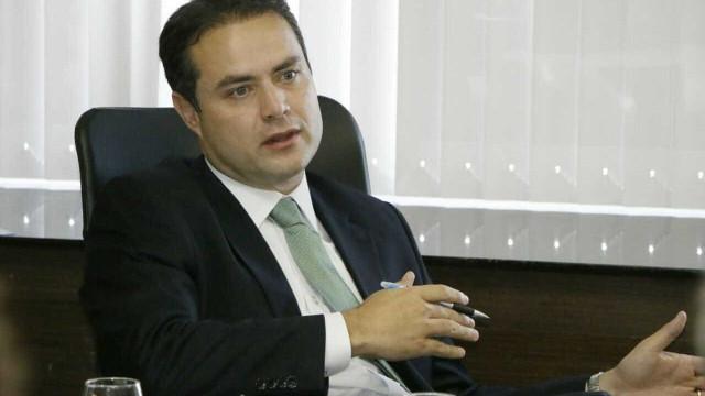 Renan Filho distribui cargos entre parentes de autoridades