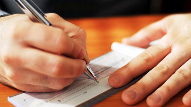 Taxa de juros do cheque especial chega ao recorde de 311,3% ao ano
