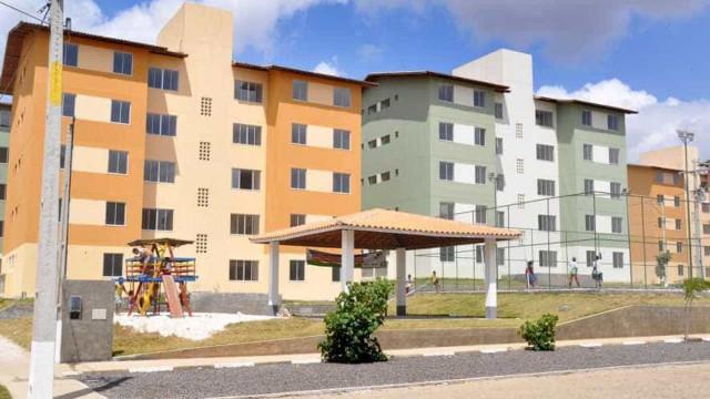 Bolsonaro entrega 472 apartamentos do Minha Casa, Minha Vida