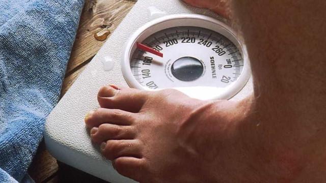 Quatro motivos (estranhos) pelos quais continua engordando