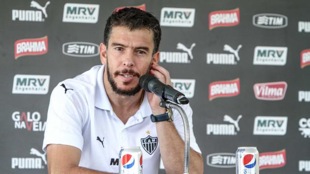 Leandro Donizete deve ir para o Santos