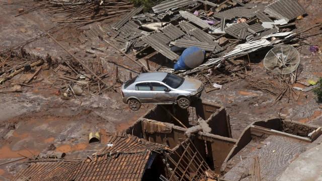 Samarco não cumpre prazo para retirar lama da Usina de Candonga