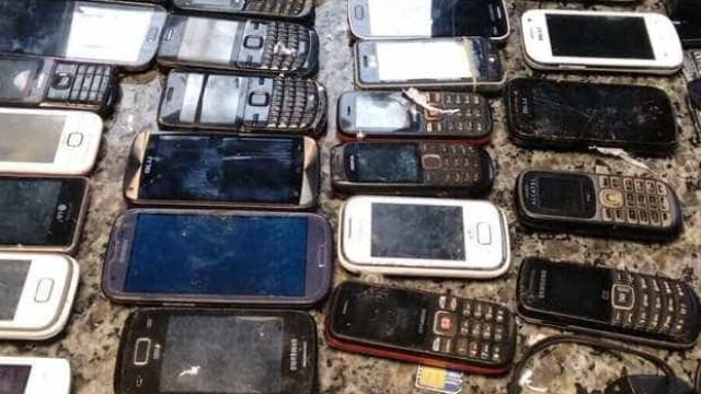 Mais de 200 celulares são apreendidos em presídio no norte fluminense