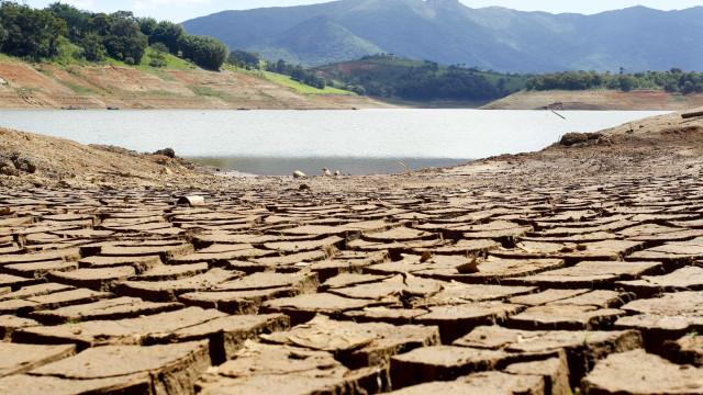 Meteorologia alerta para riscos de seca em seis estados e no DF