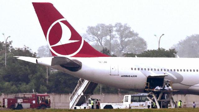 Ameaça de bomba em voo da Turkish Airlines obriga pouso de emergência