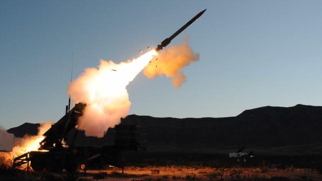 Vietnã negocia compra de mísseis antiaéreos indianos