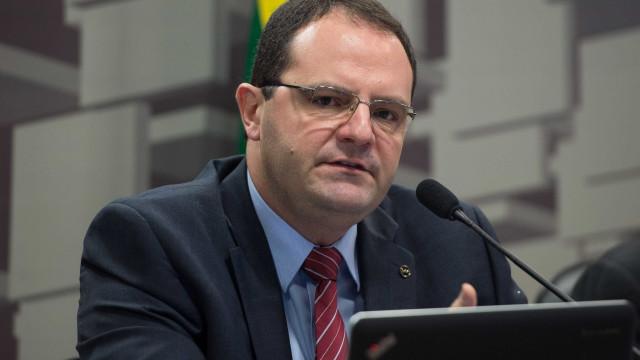 Barbosa afirma que BC tem  autonomia para decidir sobre juros