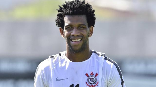 Gil comemora retorno e diz que Corinthians precisa de ajustes