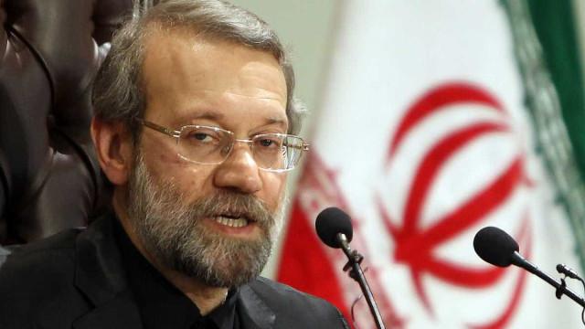 Irã revela nova base de mísseis subterrânea