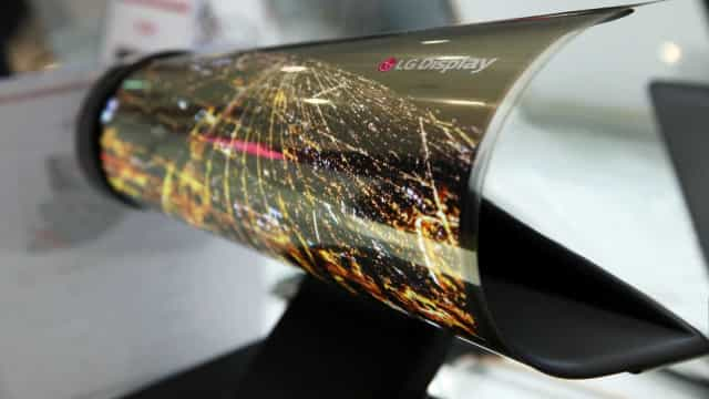 LG apresenta protótipo de tela de TV dobrável. Veja o vídeo!