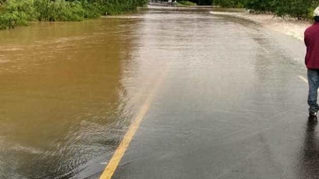 Paraná tem 23 rodovias interditadas por causa de fortes chuvas