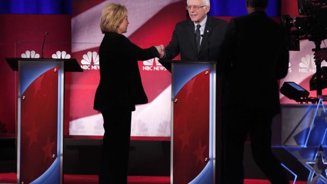 Tensão marca o debate entre Hilary Clinton e Bernie Sanders nos EUA