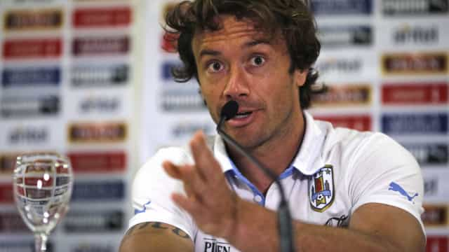 Lugano critica arbitragem na final do Paulistão: 'Não há limites'