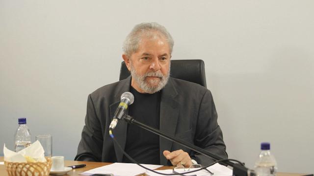 Lula quer suspeição de procuradores