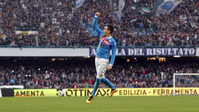 Napoli goleia por 6 a 0 e fica perto da fase de grupos da Liga Campeões