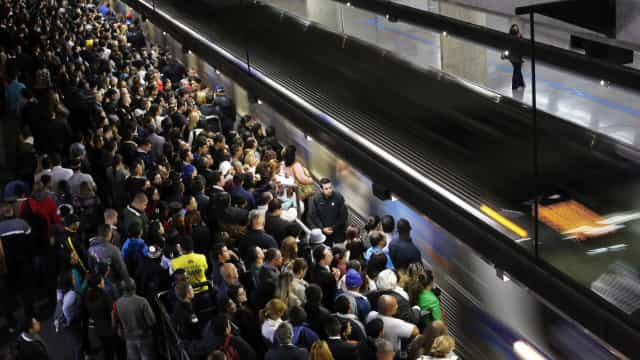 Metrô de SP desiste de 'música ambiente' dentro de vagões de trem
