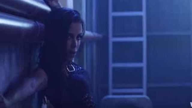 Anitta sensualiza em vídeo de remix de cantor colombiano. Assista!